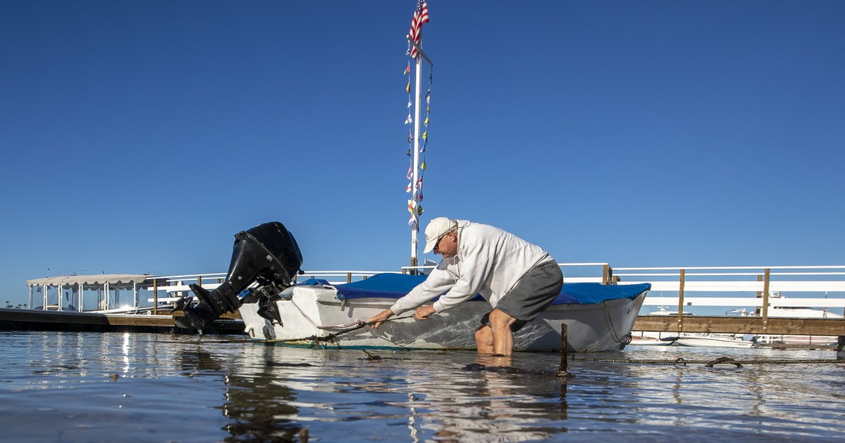 Southern California weather: Record heat, towering king tides