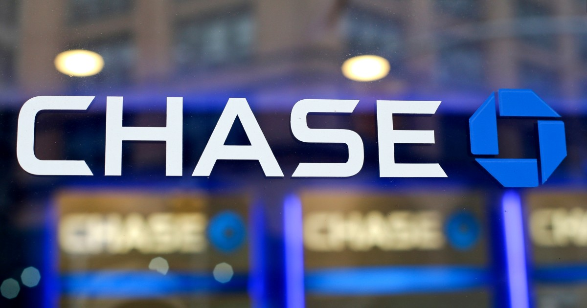 A bogus fraud alert lured a Chase customer into a scam